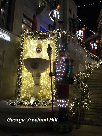 The holiday season at Two Rodeo Drive in Beverly Hills.  Photo by, George Vreeland Hill