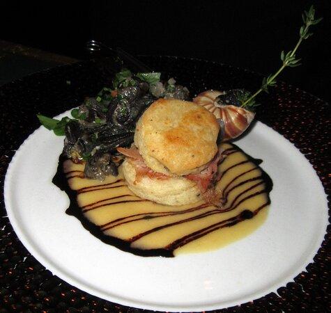LES ESCARGOTS À LA HAM BISCUIT With Sweet Garlic Beurre Blanc $14