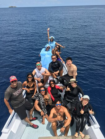 Fun Dive for Certified Divers (3 dives or 2 dives + trekking): WITH THE CREW