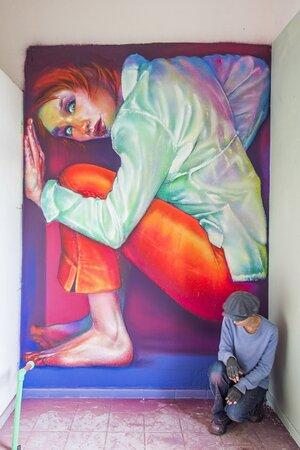 """Riempire gli spazi"" Maria spraypaint on wall - 2020 Instagram: caktusemaria FB Fanpage: Caktus & Maria Artwork"