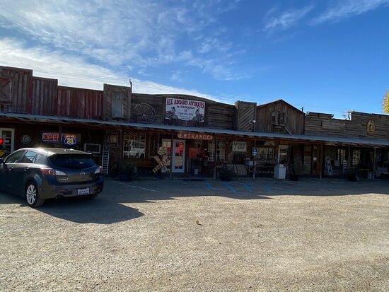 Antique Station, Victorville