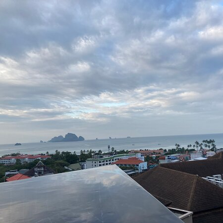 Avani Ao Nang Cliff was good swimming pool with nice panorama sea view