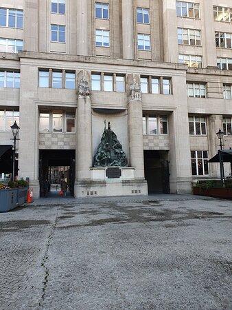 Exchange Newsroom War Memorial