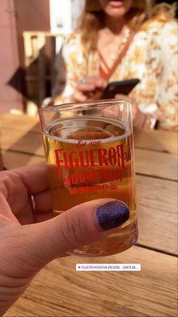 Santa Barbara Funk Zone Food and Photo Tour: Little beers + pizza