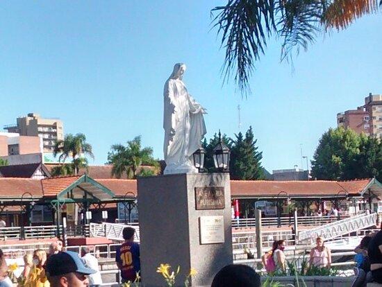 Paseo Vidal Molina: Localidad de Tigre, Provincia de Bs.As.-  Argentina 2020.