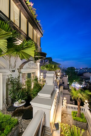 Opulent terrace area allows culture-seekers to have a breathtaking city view, creating a distinct picture of Vietnam's capital land. High quality equipment, comfortable linens, and en-suite bathroom with luxury toiletries are certainly qualified for a very restful stay.
