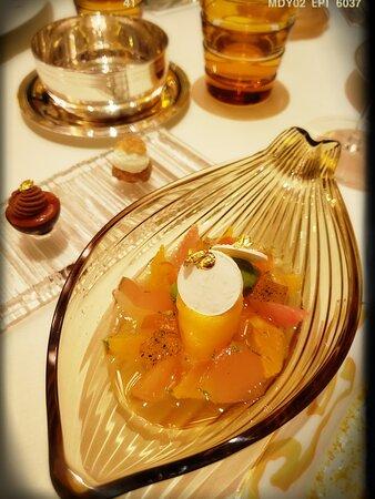 Citrus Island with Citrus Sauce & Orange Crispy with Orange Cream Cigarette