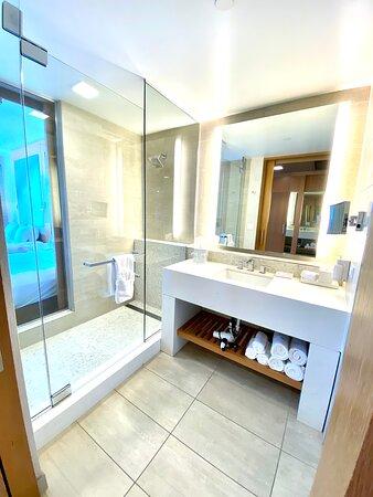 Bathroom Room #617
