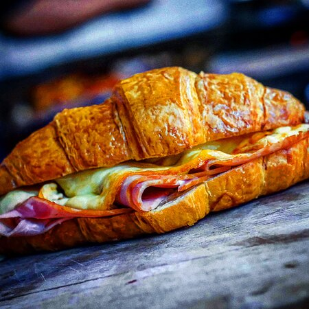 Croissant  shaved leg ham | cheddar