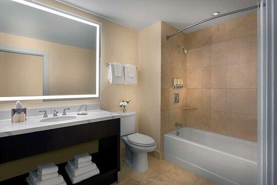 Chase Queen Double Bathroom