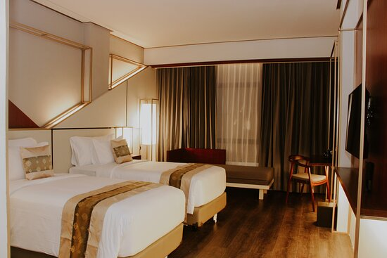 """Malang, Indonesia: Introducing Deluxe Room with 30sqm, LED TV 43"""", coolbox, sofabed,"""
