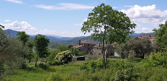 קוסקוחואלה דה סוברארבה, ספרד: Souvenirs de mes Voyages --- Espagne -- Aragon -- Le village de Coscojuela de Sobrarbe perché sur une colline .20.12.01