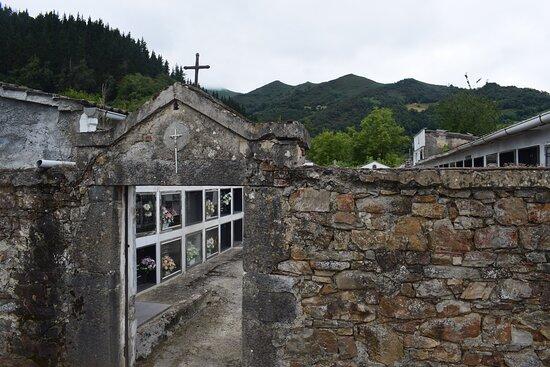 Serrapio, Tây Ban Nha: Kerkhof