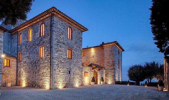 Castellina In Chianti, Itália: The castle dates back to 1077