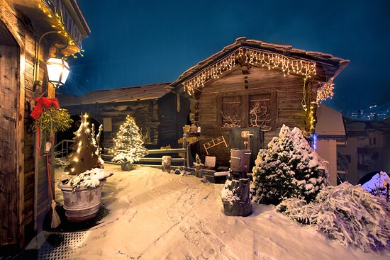 Hotel entrance garden in Winter with Cottage