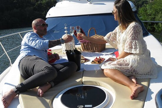 Experience of Sailing on a Private Yacht on the Douro River