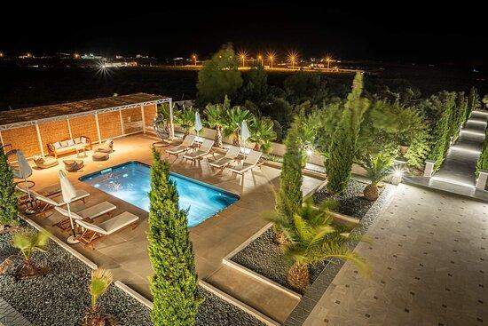 Vourvoulos, Hy Lạp: Www.villaLeon-santorini.com