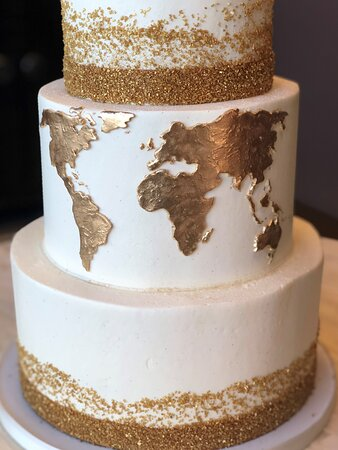 three tier gold map wedding cake