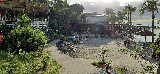Мартиника: le sentier du complexe hôtelier menant vers la plage
