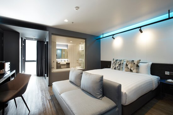 Deluxe Room with Bathtub - Guest Room