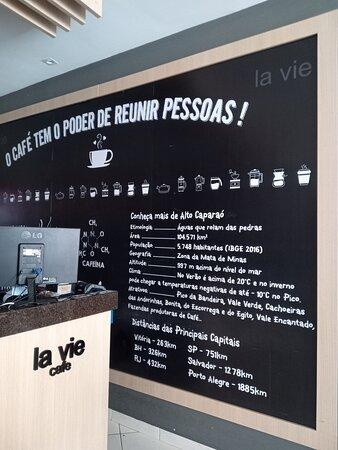 """""""O CAFÉ TEM O PODER DE REUNIR PESSOAS""""                            Acreditamos nesta frase!"""