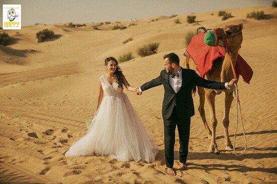 The joining of heart and soul ❤️  #weddingshoot #desertwedding #desertsafari #dubaidesertsafari #desertsafarisubai #dubai #sharjah #abudhabi #alain #camel #couple