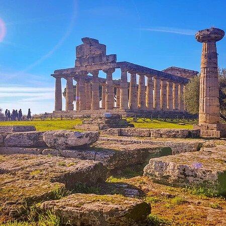 I meravigliosi templi di Paestum a solo venti minuti dal nostro B&B Salerno in Centro #paestum #salerno #bbsalernoincentro