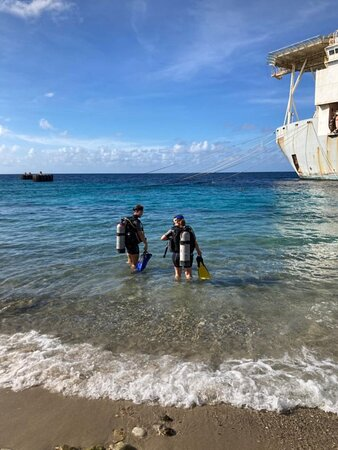 Two lovely beautiful dives with a very good guide!