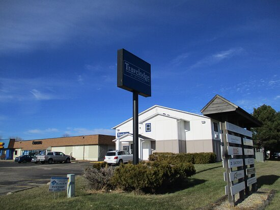 2 BED ROOM - Picture of Travelodge by Wyndham Redwood Falls - Tripadvisor
