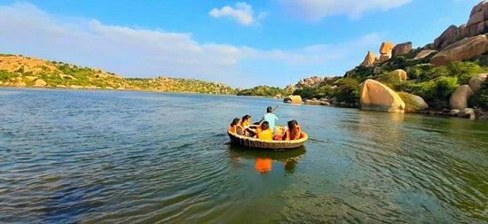 Happy hampi tour guide ruins of Vijayanagar explore