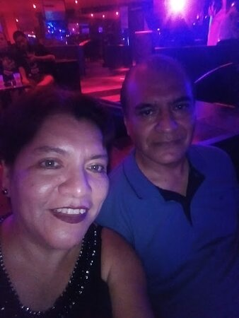 Noche de terror en bar kinky