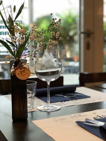 Aarebar Stimmung  Essen Sie in gemütlichem Ambiente direkt an der Aare in der Solothurn Altstadt