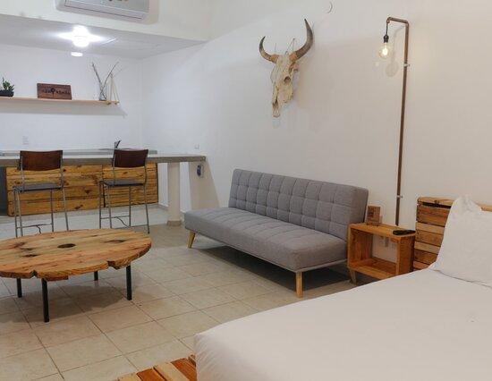 Κανκούν, Μεξικό: Cómodas habitaciones, con aire acondicionado y baño, frigobar, televisión, caja fuerte y más todo pensado en tu comodidad.