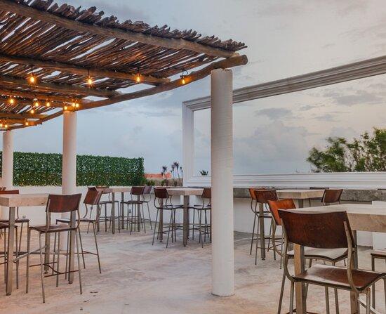 Κανκούν, Μεξικό: El Roof Ka'an tiene una hermosa vista al mar caribe, aquí puedes disfrutar de deliciosas bebidas refrescantes!!