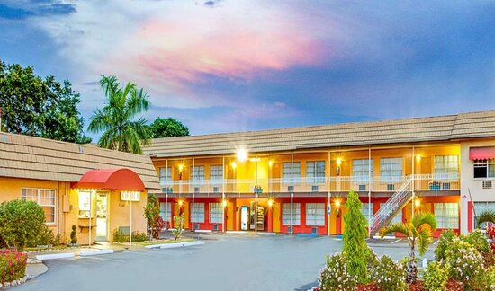 SureStay Hotel by Best Western Sarasota North