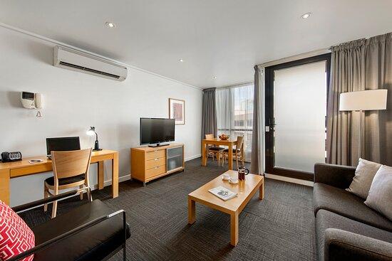 One Bedroom Exec - Living