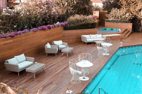 Pool Lounge bar