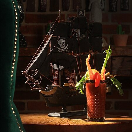 Inspired by Anne Bonny, a sanguinary pirate from the 18th century, the Bloody Bonny will deploy you an assortment of flavors that you'll love. You must try it!