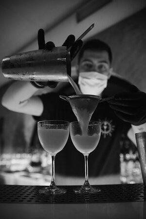Ве́рмут (от нем. Wermut, букв. — полынь) — вид ароматизированного вина, креплёное вино, ароматизированное полынью, а также другими травами и пряностями.