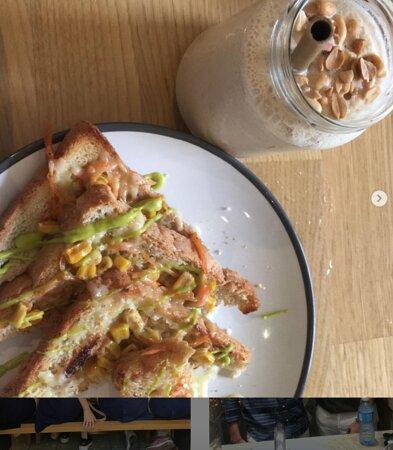 Peanut Milkshake and Toasts