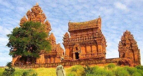 Johnny Tours | Mui Ne | Phan Rang | Vietnam