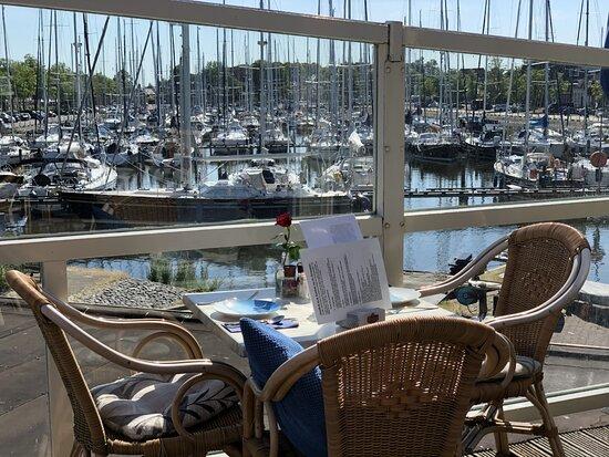 heerlijk, relaxed uitzicht over de jachthaven