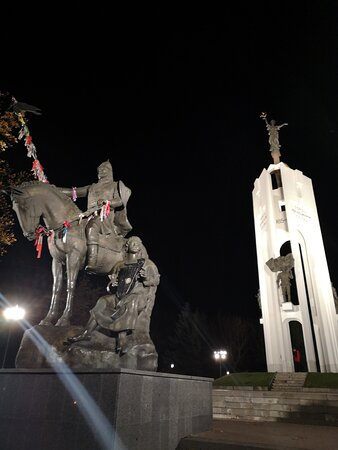 """Мемориальный Комплекс """"Покровская Гора"""""""