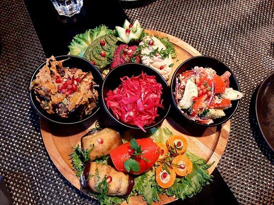 Aitoa georgialaista kotiruokaa ravintolatasoisena miellyttävässä ympäristössä