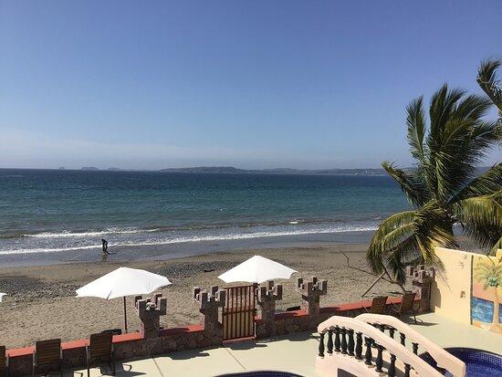 La Manzanilla, מקסיקו: The ocean is warm and surf is gentle.