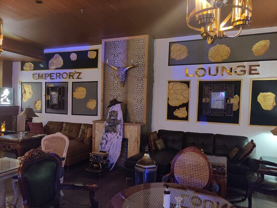 Emperor'z Lounge - Covid Times.. so no one here