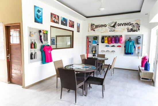 Legend Diving shop