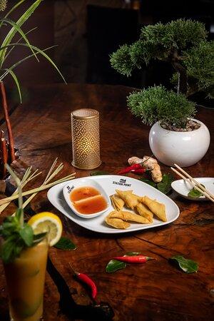 GIOW GROB 6 Wan Tan mit süß-saurer Soße