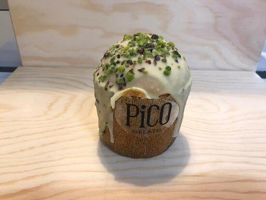 Mini Panettoncino ripieno di gelato al pistacchio, una novità da Pico.