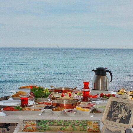 Denize sıfır serpme kahvaltı 👌